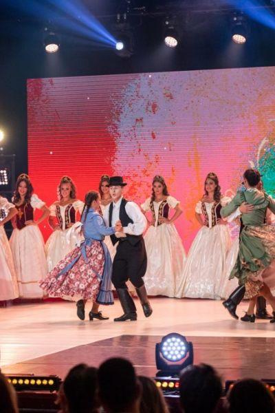 magyarok-vilagszepe-finale-nyito-14946A1153-5411-6586-2B74-47E30EDC14E8.jpg